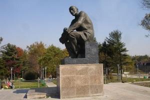 Оформление памятника В.И. Ленину. г. Владивосток